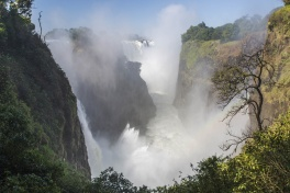 The Smoke that Thunders, Victoria Falls