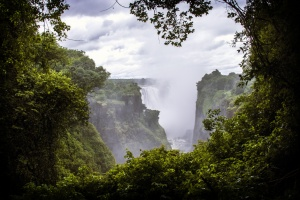 Looking from Zimbabwe, across the falls to Zambia by Christiaan Triebert on Flickr